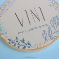 Bordado Vini - porta maternidade @belabordadeira