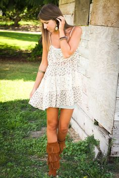 Swap those ugly boots for some real boots and this would be a super cute summer outfit!