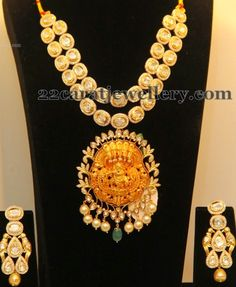 Polki Diamond Necklace with Lord Krishna Pendant - Indian Jewellery Designs Indian Jewellery Design, Latest Jewellery, Indian Jewelry, Jewellery Designs, Diamond Jewelry, Diamond Necklaces, Temple Jewellery, Contemporary Jewellery, Bridal Jewelry