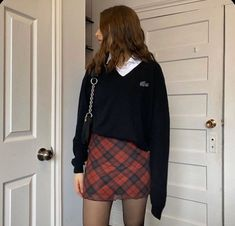 new style clothes Aesthetic Fashion, Aesthetic Clothes, Look Fashion, 90s Fashion, Preppy Fashion, Retro Fashion, Korean Fashion, Fashion Models, Winter Fashion
