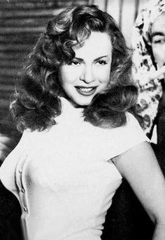 "Hind Rostom - Egyptian actress (November 1929 – August is one of the great icons in the golden era of Egyptian cinema. Her physical appearance earned her the name ""Marilyn Monroe of Egypt"" Arab Actress, Egyptian Actress, Actress Pics, Old Actress, Egyptian Beauty, Egyptian Women, Turkish Beauty, Arabic Beauty, Egyptian Makeup"