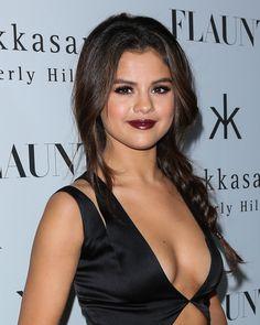 Selena Gomez and vampy makeup.
