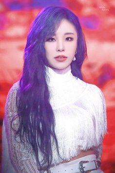 South Korean Girls, Korean Girl Groups, Queens, Sugar Love, Under The Rainbow, Wheein Mamamoo, You Are Cute, Cute Jeans, Pop Bands