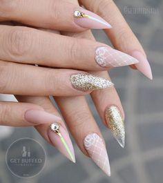 ♥️♥️♥️ New nails for @neztheartist  @gfa_australia gel polish NU14  @glitter_heaven_australia  white gold  @uglyducklingnails acrylic and matte top
