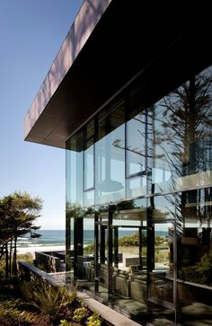 A Transparent Beachfront Home For The Oregon Coast
