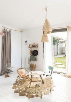 "une ""feel good"" déco à Biarritz -soul inside- chambre d'enfants rotin kids room"