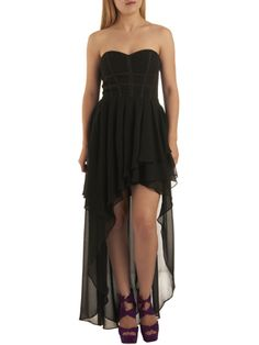 If we were headed to prom this year, we'd definitely be rocking a high-low dress!