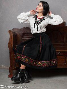 Items similar to Black skirt warm skirt emboirdered skirt full flared skirt wool skirt skirt with pockets midi skirt circle skirt wool circle skirt winter on Etsy Folk Fashion, Ethnic Fashion, Kimono Fashion, Couture Fashion, Fashion Outfits, Black Pleated Skirt, Flared Skirt, Midi Skirt, Afghan Dresses
