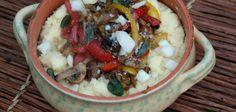 Кремовая полента с карамелизированным луком перцем и грибами Polenta, Acai Bowl, Grains, Stuffed Mushrooms, Cheese, Vegetables, Breakfast, Sorting, Food