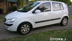 سيارة هونداي جيتس موديل 2005 وارد الوكالة قطعت 100 ألف بحالة ممتازة بدون إضافات لون أبيض 1300 cc تقطع في التنكة 300 km مكيفة المطلوب 5500