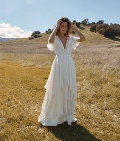 Athena dresses - What Everybody Likes About Silk Wedding Dress and Why – Athena dresses V Neck Wedding Dress, Boho Wedding Dress, Bridal Dresses, Wedding Gowns, Mermaid Wedding, Dresses Dresses, Casual Wedding Dresses, Lace Wedding, Casual Dresses