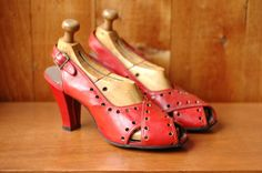 20% OFF SALE / vintage 1940s shoes / 40s red leather heels  / size 7. $160.00, via Etsy.