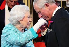 Prince Charles Photos - Queen Elizabeth II is greeted by Prince Charles, Prince of Wales as she arrives for the final night of her Birthday Celebrations at Windsor on May 2016 in Windsor, England. - Prince Charles Photos - 2411 of 19062 Lady Diana Spencer, Kylie Minogue, Prince Charles, Duchess Kate, Duchess Of Cambridge, Prince Philippe, Prinz Philip, Queen 90th Birthday, Happy Birthday