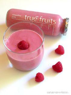 Rezepte mit Herz ♥: Pink Smoothie - Himbeer Smoothie mit Kokosmilch un...