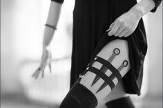 The Mortal Instruments Shadowhunters Aesthetic//Isabelle Lightwood Armas Ninja, Yennefer Of Vengerberg, Isabelle Lightwood, Natasha Romanoff, Girl Gang, Boss Babe, Character Inspiration, Crow, Otaku