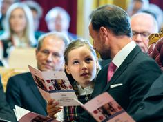 Members of the Norwegian Royal Family were invited by the Parliament to the anniversary meeting of the parliamentary hall and festival on Eidsvolls space. This is Princess Ingrid Alexandra took first official visit to the White Room.  Source: Kongehuset
