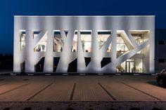 4EXPO HEADQUARTERS by Mroczkowski Architekci http://www.archello.com/en/project/4expo-headquarters  Photo by:  Jacek Patecki