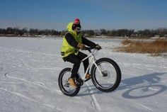 Fat Tire Bikes Are Gaining Popularity http://www.vvego.com/cool-gear-around-globe-fat-tire-bikes/