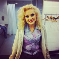 Perrie backstage! Mixers HQ x