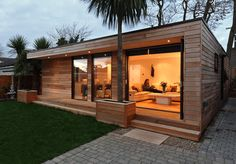 Garden room architecture in.studios - contemporary outdoor buildings ranging from Garden Rooms, Home Offices, Garden Studios, a larger Granny Annexe or even a eco Home, all installed to your very own bespoke requirements. Modern Small House Design, Modern Design, Garden Cabins, Garden Homes, Garden Rooms Uk, Outdoor Garden Rooms, Garden Lodge, Outdoor Buildings, Garden Buildings