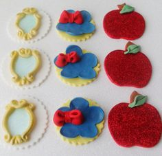 Items similar to 1 Dozen Snow White Inspired Fondant Cupcake Toppers on Etsy Cookies Fondant, Fondant Cupcake Toppers, Cupcake Cakes, 3rd Birthday, Birthday Ideas, Snow White Cake, Snow White Birthday, Princess Theme, Cute Cakes