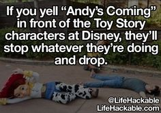 Wish I had known this while I was at Disney World cause I would have totally done it since I took a picture with Buzz Lightyear! Disneyland Secrets, Disney Secrets, Disney Tips, Disney Love, Disneyland Hacks, Disney Stuff, Disney 2015, Disney Life Hacks, Time Out Bottle