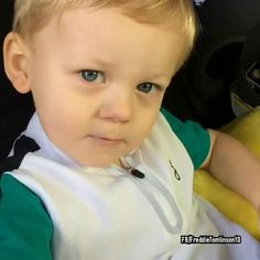 Freddie he already has the sassy I can see it in his eyes. Louis Tomlinson Son, Daisy Tomlinson, Tomlinson Family, Lottie Tomlinson, Freddie Reign Tomlinson, Briana Jungwirth, Louis Tomlinsom, Babe, Save My Life