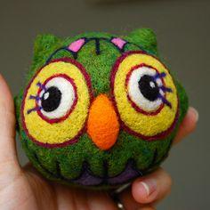needle-felted owl (by asherjasper)