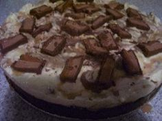 Great for those who love Mars Bars. Cheesecake Bars, Cheesecake Recipes, Chocolate Coconut Slice, Mars Bar, Cheesecakes, Good Food, Pie, Sweets, Homemade