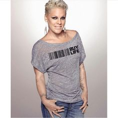 Pink is an Awesome Singer I love her Music! Pop Punk, Divas, Female Singers, Pink Fashion, Woman Crush, Girl Crushes, Role Models, My Idol, Pixies