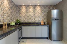 Reforma Manuelita   Ideias Designer De Interiores Kitchen Island, Kitchen Cabinets, Tile Floor, Flooring, Instagram, Ideas, Home Decor, Modern Kitchens