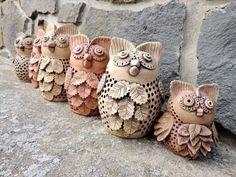 Clay Birds, Ceramic Birds, Ceramic Animals, Clay Animals, Ceramic Pottery, Pottery Classes, Pinch Pots, Easy Watercolor, Owl Art