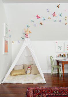 Playroom ideas - from 3D butterflies to a kid sized art desk.