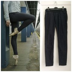 AG Adriano Goldschmied Black Skinny Jeans AG Adriano Goldschmied darkest rinse (dark greyish black) skinny legging jeans with an elastic waist and faux front pockets for a streamlined, slimming look. Two real back pockets with very subtle tonal stitching. Super comfortable with just the right amount of stretch. In very good condition. Size 29 regular. AG Adriano Goldschmied Jeans Skinny