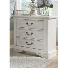 Bayside Bedroom Transitional 3 Drawer Night Stand with Fully Stained Interior Drawers by Liberty Furniture at Standard Furniture Old World Furniture, Liberty Furniture, Bedroom Furniture, Bedroom Dresser Styling, Painting Furniture, Furniture Ideas, 3 Drawer Nightstand, White Nightstand, Bedside Lockers