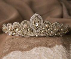 Beaded wedding tiara / Купить Диадема свадебная - белый, свадебная диадема, диадема невесты, диадема свадебная, жемчужная свадьба