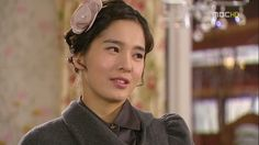 Playful Kiss ♥ Jung Hye Young as Hwang Geum Hee (mom)