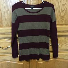 Sweater A long sleeved sweater n has a very soft touch I love it. But is way to small . In very good condition Banana Republic Sweaters Cardigans