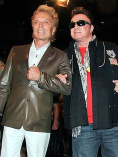 10 Years After Tiger Incident, How's Siegfried & Roy's Roy Doing? http://www.people.com/people/article/0,,20742412,00.html