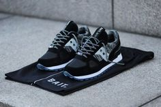 Cali retailer BAIT has cooked up a truly special collaborative project alongside Saucony and Star Wars by eFX Collectibles. Not only does the pack include a Saucony Shadow Original crafted from soft premium leather,silk suede, and heather knitted fabric for the quarter panel and inner lining, but a pair of deluxe rope laces and basketball …