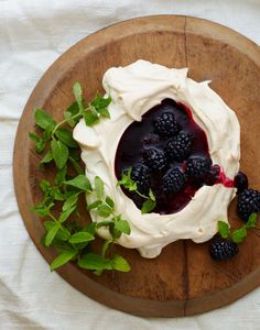 Summer Meringue with Black Berry Sauce