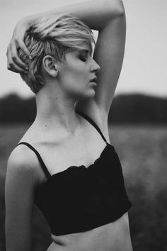 via http://pixie-cropped.tumblr.com/ absolutely LOVE this style and blonde too