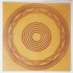 Placa Radiônica Energizador restabelece o equilíbrio energético de uma pessoa >>> http://www.dhonellalojavirtual.com.br/radionica/2300-placa-radionica-energizador-cobre.html