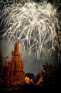 Big Thunder Mountain~Disney Fireworks