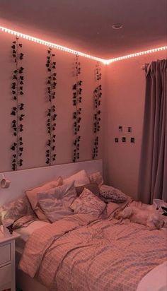 Cute Bedroom Decor, Teen Room Decor, Room Ideas Bedroom, Indie Room Decor, Bedroom Inspo, Cool Bedroom Ideas, Cute Room Ideas, Cozy Teen Bedroom, Bedroom Picture Walls