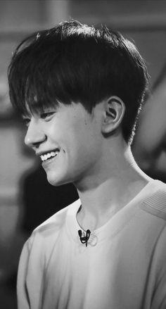 Thủ khoa Trung Hí,chính là dùng thực lực để nói chuyện !! Lord Of The Dance, Jackson Yi, Big Tree, My Sunshine, Pretty Boys, My Idol, Handsome, Singer, Celebrities