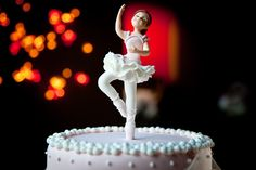 Tartas de cumpleaños dedicadas a su protagonista.    ¡Encarga la tuya en http://www.carlotas.com/tartas-decoradas.html!