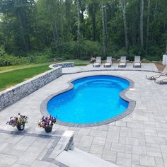 Make your pool patio your outdoor escape with Cambridge Pavingstones with ArmorTec! Pool Pavers, Backyard Pool Landscaping, Backyard Pool Designs, Small Backyard Pools, Swimming Pools Backyard, Pool Decks, Outdoor Pool, Pool Tiles, Lap Pools