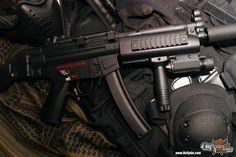 AirSplat Custom Guns http://www.airsplat.com/Categories/ER-CUSTOM-AEG.htm