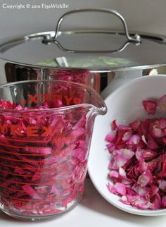 honey rose petal jam...thinking of trying this w/my new diet....if someone would just give me some roses so I'd have rose petals  ;P